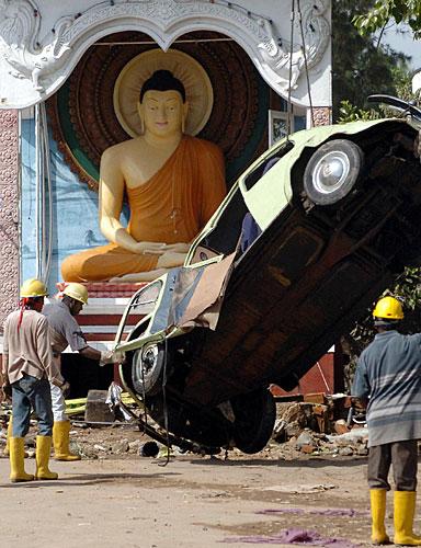 DEZEMBRO 2004 / Tsunami