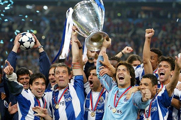 MAIO 2004 / São eles..os campeões!